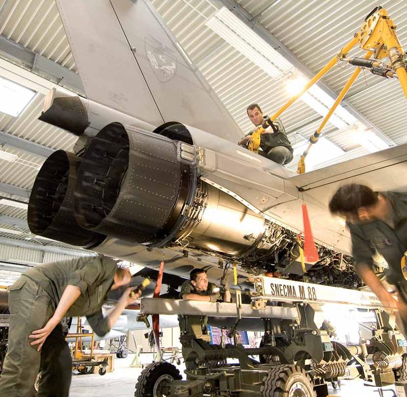 Rafale voa com novo motor de testes M88-4E