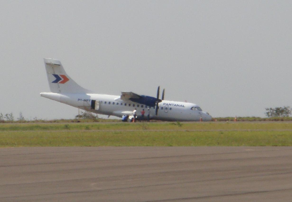 Avião faz pouso forçado no aeroporto de Bauru em SP